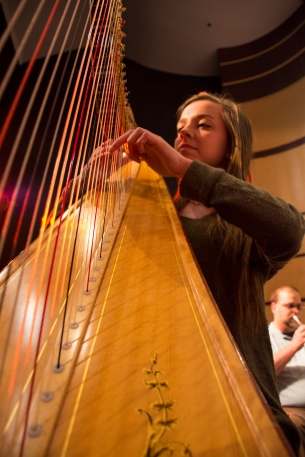 emily-carpenter-a-freshman-at-oklahoma-city-university-plays-the-harp-for-the-oklahoma-city-symphonic-band